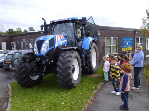 New Holland Tractor People : New technology and big wheels for little people latest