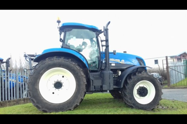 New Holland T7 235 » Agricultural Tractors » Used Machinery