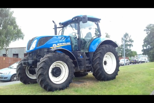 New Holland T7 210 PC » Second Hand » Agricultural Tractors » Used